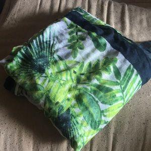 EUC green/navy/white leaf print scarf
